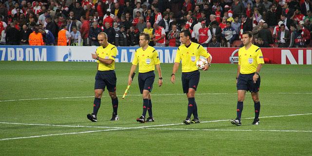 01e5c786a41ea El material imprescindible para todo árbitro de fútbol - Blog de ...