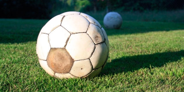 Cómo arreglar un balón de fútbol pinchado - Blog de mundosilbato 5237943353aee