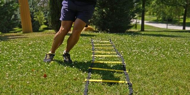 Ejercicios En Circuito Y Coordinacion : Entrenamiento con escalera de agilidad y coordinación de